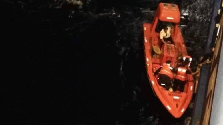 Πυρκαγιά Αττική: Μεταφορά πολιτών με Superferry II από το λιμάνι της Ραφήνας (vid)