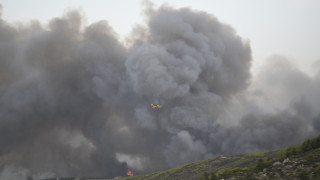 Συνεχίζεται η προσπάθεια οριοθέτησης της πυρκαγιάς στο πευκοδάσος της Λευκίμης Σουφλίου