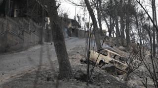 Φωτιά Αττική: «Έτρεχαν με φωτιές στις μπλούζες τους» - Μαρτυρία από το Μάτι