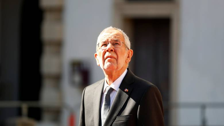 Φωτιά Αττική: «Βαθιά συγκλονισμένος» από την κατάσταση στην Ελλάδα ο πρόεδρος της Αυστρίας