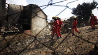 Σε ύφεση οι πυρκαγιές σε Κινέτα και Καλλιτεχνούπολη