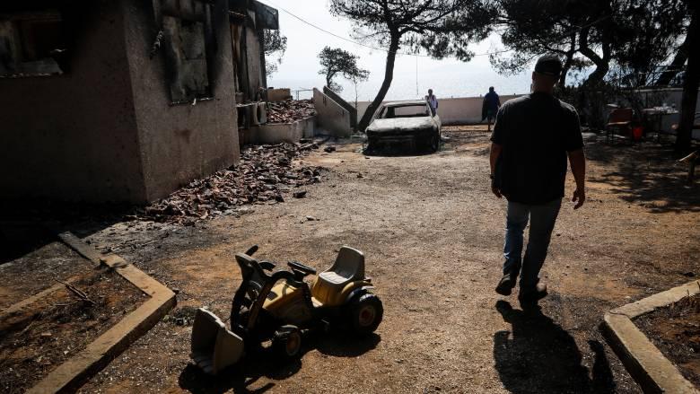 Φωτιά Αττική: Ανεβαίνει συνεχώς ο αριθμός των νεκρών, αγώνας δρόμου για τους αγνοούμενους