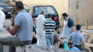 Ώρες αγωνίας έξω από το νεκροτομείο Αθηνών
