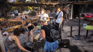 Φωτιά Αττική: Προσπάθειες καθαρισμού και αποκατάστασης υποδομών στο Μάτι