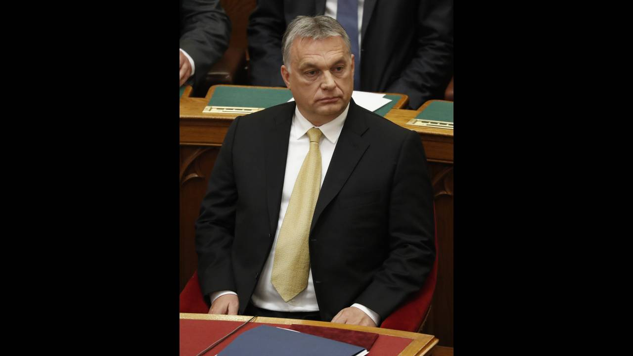 https://cdn.cnngreece.gr/media/news/2018/07/28/140600/photos/snapshot/2018-05-10T135206Z_168673394_UP1EE5A12IUCF_RTRMADP_3_HUNGARY-ORBAN.jpg
