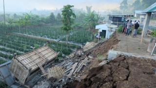 Ινδονησία: Τουλάχιστον 10 νεκροί από την ισχυρή σεισμική δόνηση των 6,4 Ρίχτερ