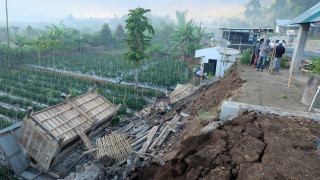 Ισχυρός σεισμός στην Ινδονησία: Τουλάχιστον 14 νεκροί