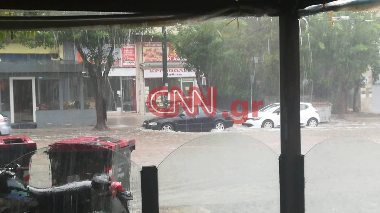 Καιρός: Ισχυρή καταιγίδα πλήττει την Αττική