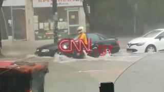 Χάος στην Αττική από τη σφοδρή βροχόπτωση