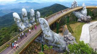 Στα χέρια ενός γίγαντα η Χρυσή Γέφυρα που αποπλανεί το Βιετνάμ