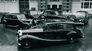 Royal Rolls Royce: στο σφυρί o στόλος από λιμουζίνες της βασίλισσας Ελισάβετ