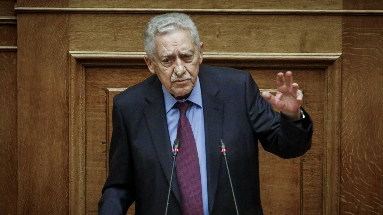 Άγρια κόντρα Κουβέλη - Λοβέρδου στη Βουλή για τα περί «πολιτικής ευθύνης»