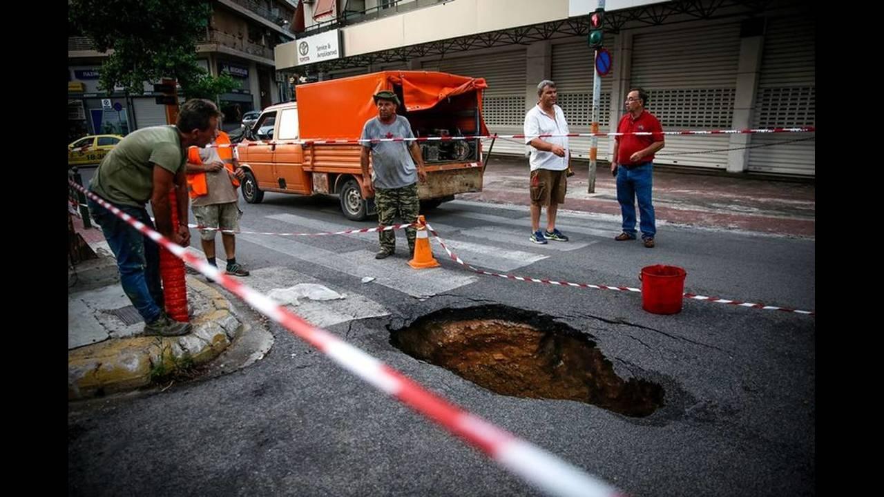 https://cdn.cnngreece.gr/media/news/2018/07/31/140974/photos/snapshot/zografou4.jpg
