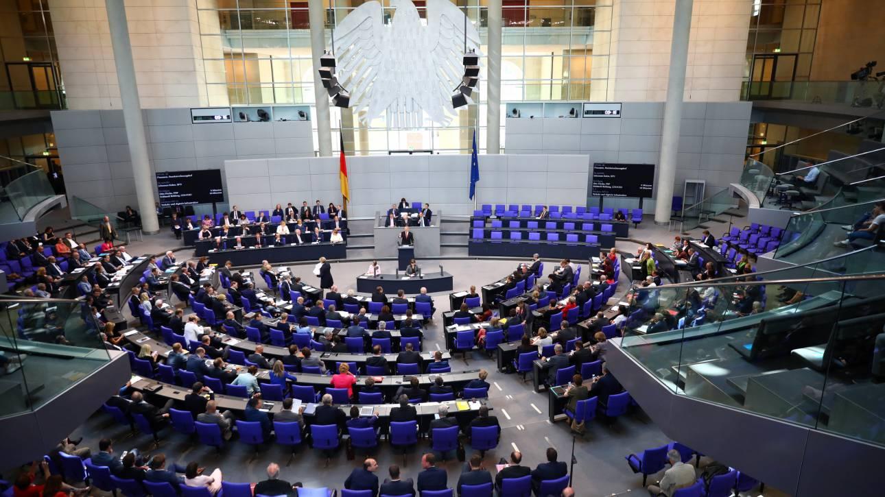Ενέκρινε η Μπούντεσταγκ την εκταμίευση της τελευταίας δόσης για την Ελλάδα
