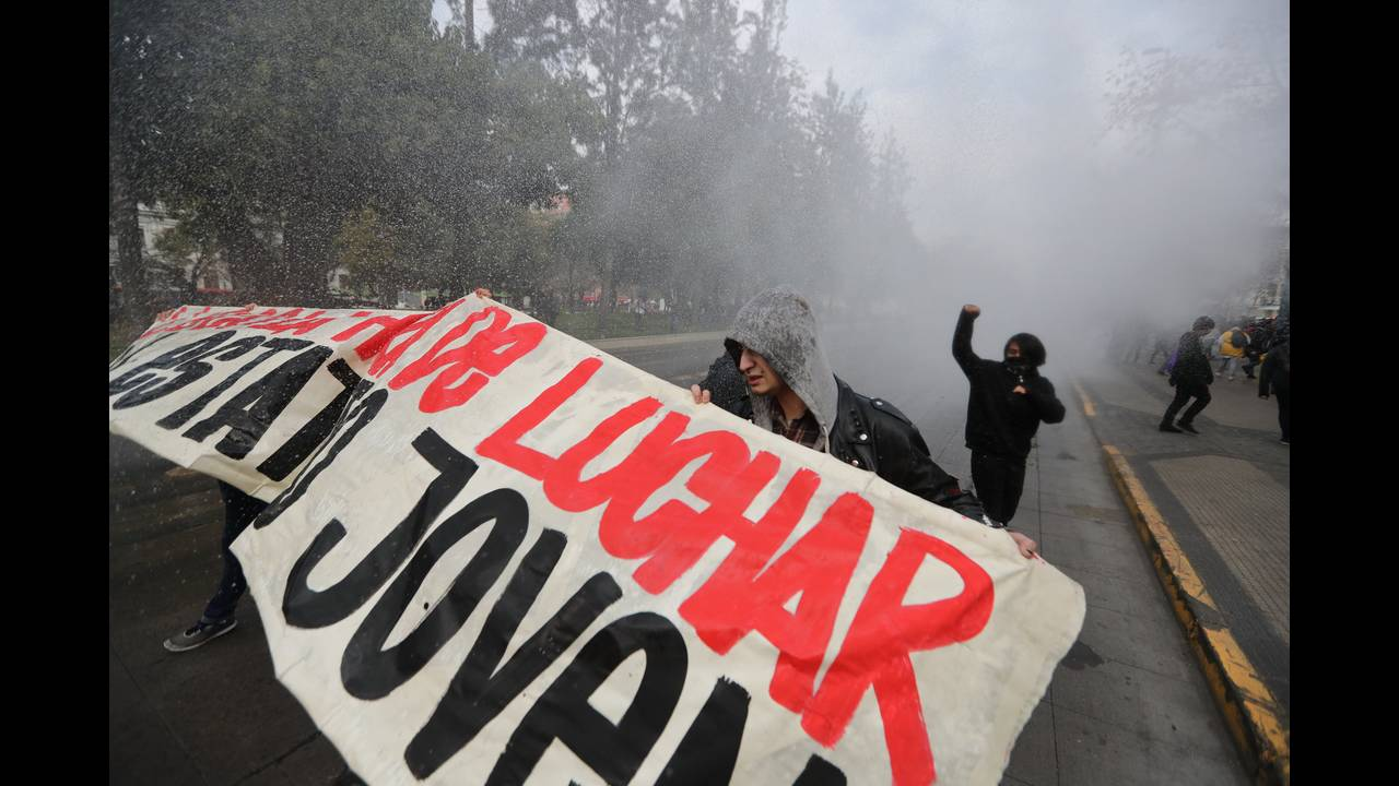 https://cdn.cnngreece.gr/media/news/2018/08/01/141099/photos/snapshot/CHILE-1.JPG
