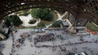 Έκλεισε ο Πύργος του Άιφελ: Σε απεργία οι υπάλληλοι - Εξοργισμένοι οι τουρίστες