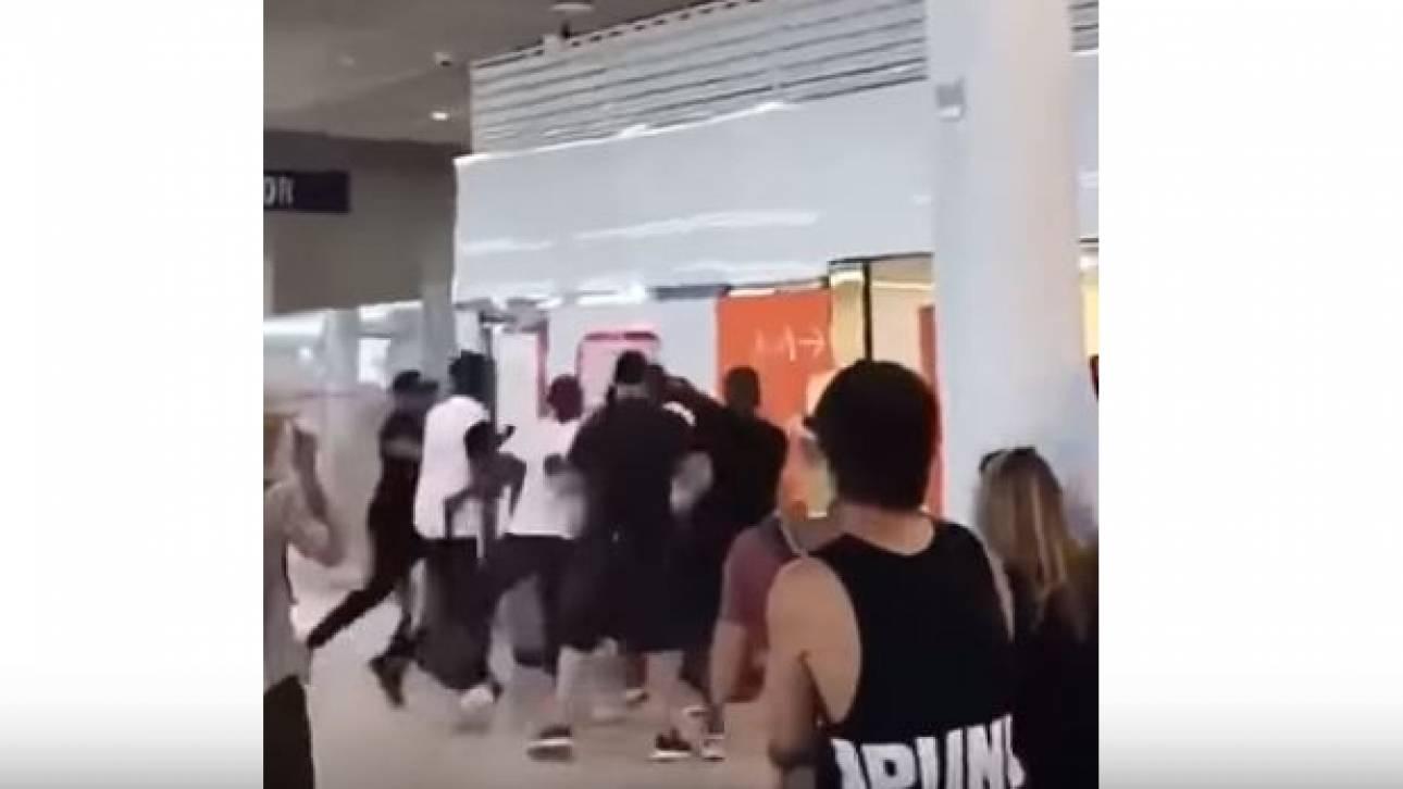 Αναστάτωση στο αεροδρόμιο Ορλί του Παρισιού: Διάσημοι ράπερ πιάστηκαν στα χέρια