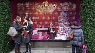 Τα.. Χριστούγεννα ήρθαν νωρίτερα σε εμπορικό κατάστημα του Λονδίνου