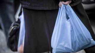 Χιλή: Η πρώτη χώρα στη Λατινική Αμερική που απαγορεύει τις πλαστικές σακούλες