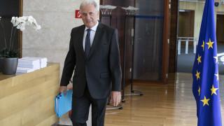 Αβραμόπουλος: Πλήρης στήριξη της ΕΕ στην Ισπανία για την αντιμετώπιση των μεταναστευτικών ροών