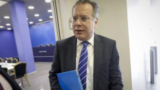 «Έκαναν την Ελλάδα μεσίστια χώρα»: Επίθεση Κουμουτσάκου στην κυβέρνηση