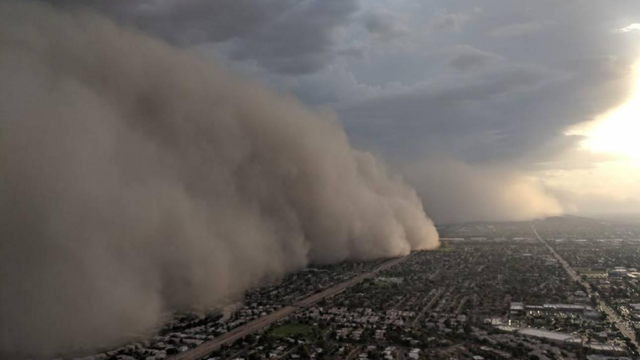 Αριζόνα: Η στιγμή που γιγάντιο κύμα σκόνης καλύπτει ολόκληρη πόλη