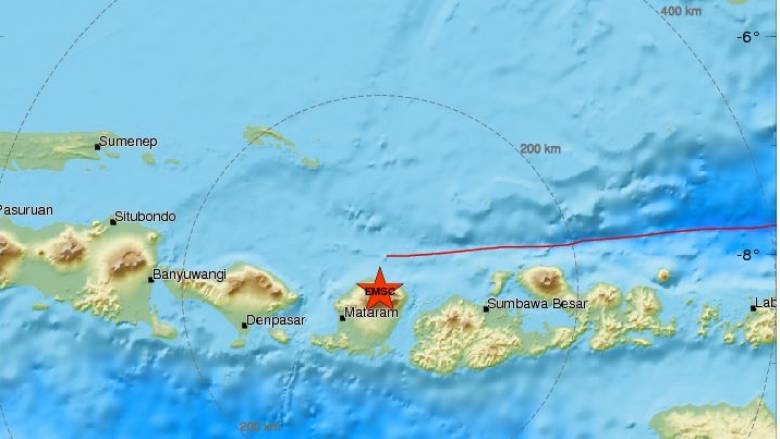Προειδοποίηση για τσουνάμι μετά από ισχυρό σεισμό στην Ινδονησία