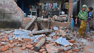Αυξήθηκαν οι νεκροί από τον ισχυρό σεισμό στην Ινδονησία