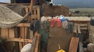 Το τροχόσπιτο του «τρόμου»: Διάσωση 11 παιδιών που ζούσαν υπό άθλιες συνθήκες