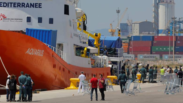 Aquarius: Το πλοίο θα συνεχίσει τις επιχειρήσεις του αλλά δεν θα επιστρέφει πρόσφυγες στη Λιβύη