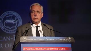 Οργισμένη αντίδραση του πρώην πρέσβη των ΗΠΑ στην Αθήνα για τη μεταγωγή Κουφοντίνα