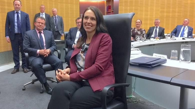 Επιστροφή στο καθήκον για την πρωθυπουργό της Νέας Ζηλανδίας, μετά τη γέννηση της κόρης της