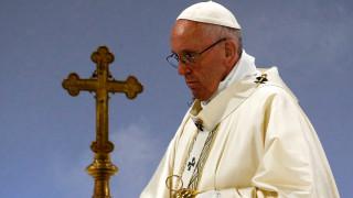 Μεγάλη πτώση της δημοτικότητας του πάπα Φραγκίσκου