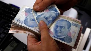 Νέα ρεκόρ χαμηλής ισοτιμίας καταγράφει η τουρκική λίρα
