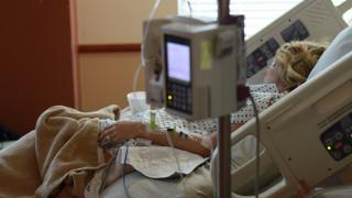 Οι γυναίκες είναι πιθανότερο να σωθούν από έμφραγμα εάν εξεταστούν από γυναίκα γιατρό