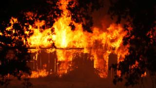 Μαίνεται η μεγαλύτερη πυρκαγιά στην ιστορία της Καλιφόρνια