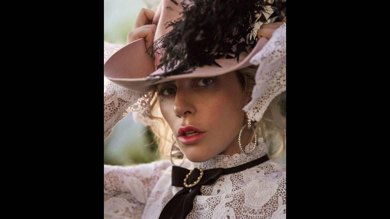 https://cdn.cnngreece.gr/media/news/2018/08/07/141838/photos/snapshot/gallery-1478793647-hbz-lady-gaga-dec-jan-2017-07.jpg
