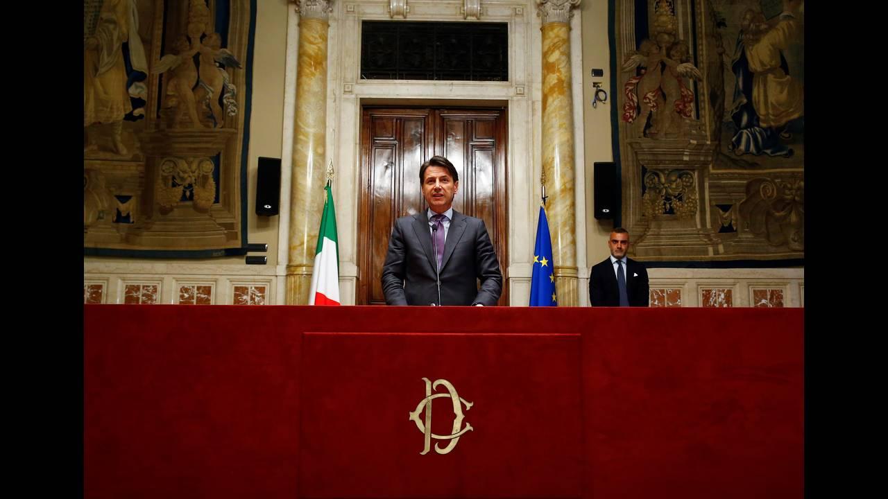 https://cdn.cnngreece.gr/media/news/2018/08/08/141939/photos/snapshot/2018-05-24T181552Z_367876032_RC1893CC08E0_RTRMADP_3_ITALY-POLITICS.JPG