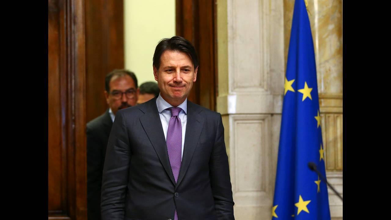 https://cdn.cnngreece.gr/media/news/2018/08/08/141939/photos/snapshot/2018-05-24T181837Z_199174422_RC15563FCCB0_RTRMADP_3_ITALY-POLITICS.JPG