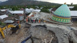Τραγικός ο απολογισμός του φονικού σεισμού στην Ινδονησία