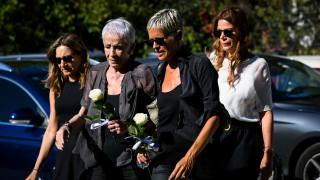 Πλήθος κόσμου στην κηδεία της Ρίκας Βαγιάννη