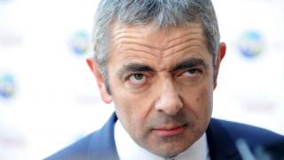«Οι γυναίκες με μπούρκα όντως μοιάζουν με γραμματοκιβώτια»: Ο Mr. Bean υπερασπίζεται τον Τζόνσον