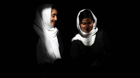 Ταμίνα Παγιέντα: Αρίστευσε στις εισαγωγικές της Καμπούλ και υπόσχεται να παλέψει για ισότητα