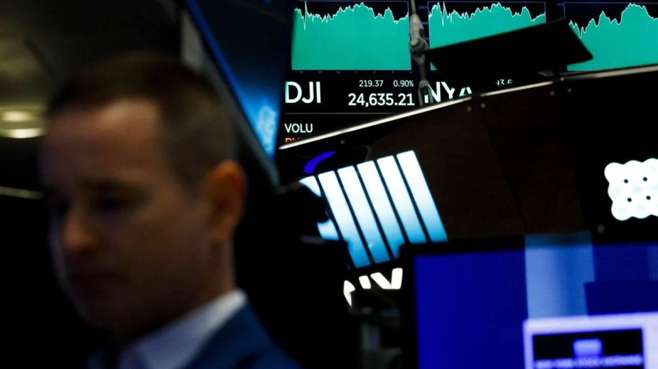 Πτώση στη Wall Street λόγω των αναταραχών στην τουρκική οικονομία