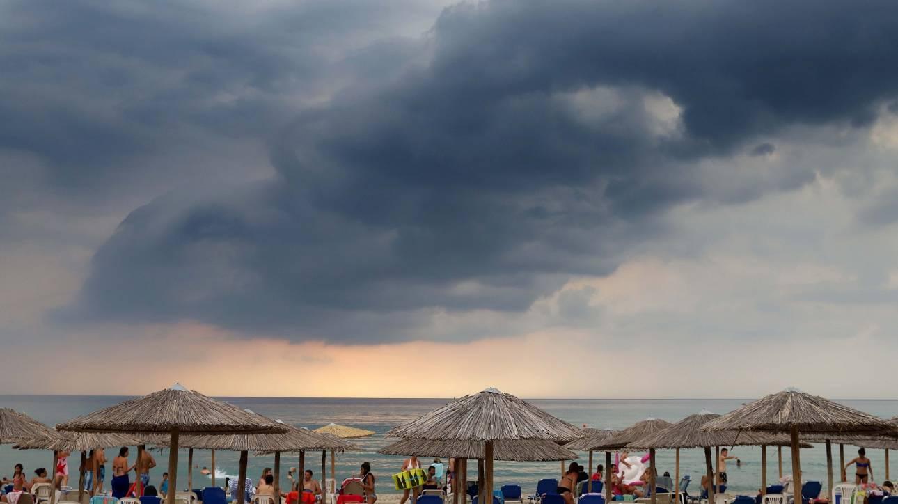 Καιρός: Αίθριος την Κυριακή με πιθανότητα βροχών στα ορεινά