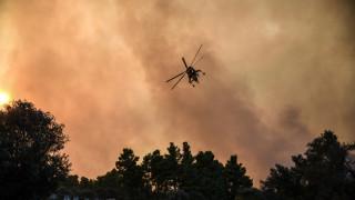 Πυρκαγιά Εύβοια: Συνεχίζεται η μάχη με τις φλόγες