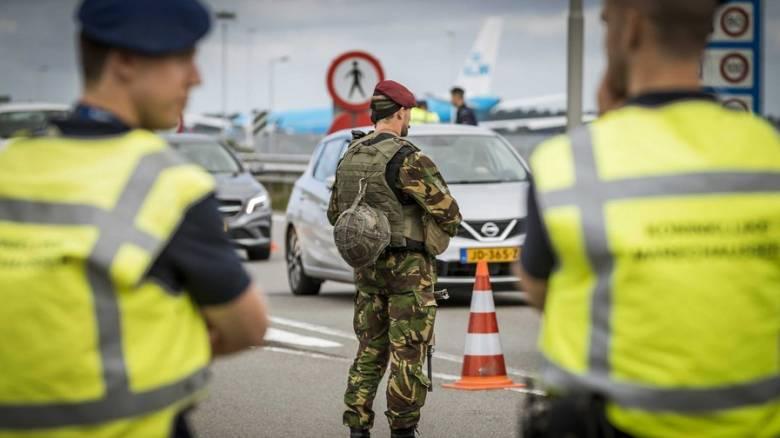 Ολλανδία: Εμπρηστική επίθεση στο τουρκικό προξενείο στο Άμστερνταμ