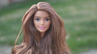 Η Barbie έχει… κυτταρίτιδα: Επανάσταση στον κόσμο των παιχνιδιών