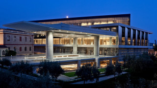 Μουσείο Ακρόπολης: Ταξίδι στον νοσταλγικό κόσμο του ελληνικού κινηματογράφου κάτω από την Πανσέληνο
