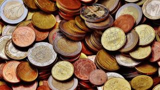 Σε νέο χαμηλό επίπεδο υποχώρησε το ευρώ